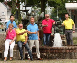 Von links nach rechts zu sehen: Anh Thi Dong, Dörte Knake, Georg Klein, Dr. Henning Kayser, Heinfried Ehlers und Andreas Bodtke.